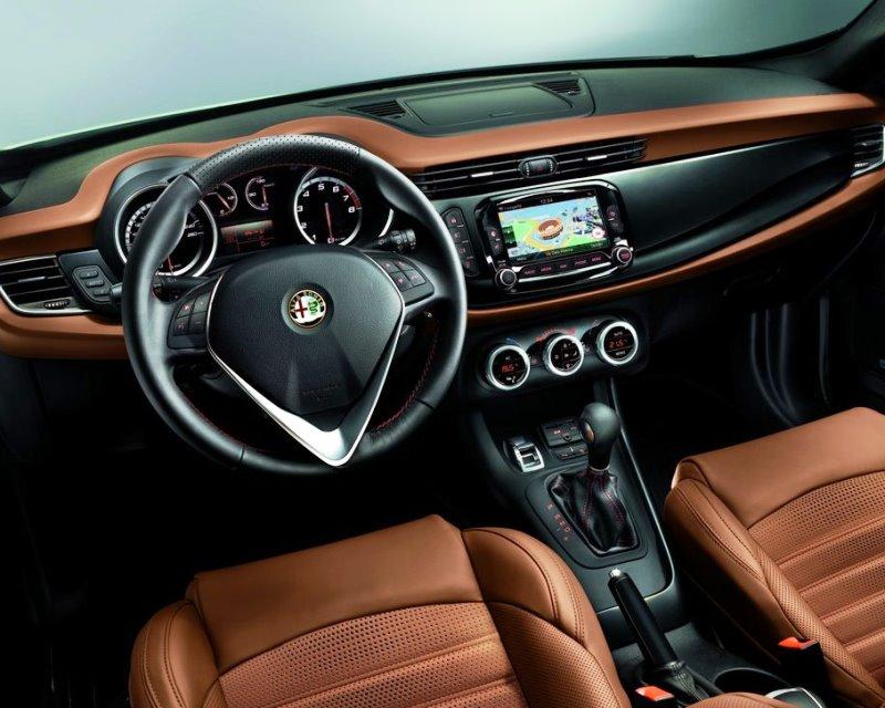 салон Alfa Romeo Giulietta 2014
