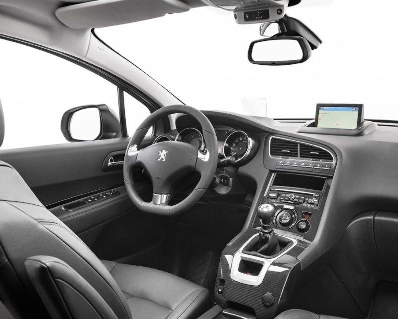 салон Peugeot 5008 2014