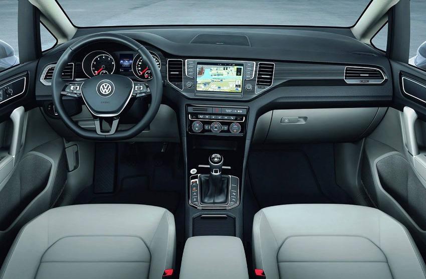 салон Volkswagen Golf Sportsvan Concept 2013
