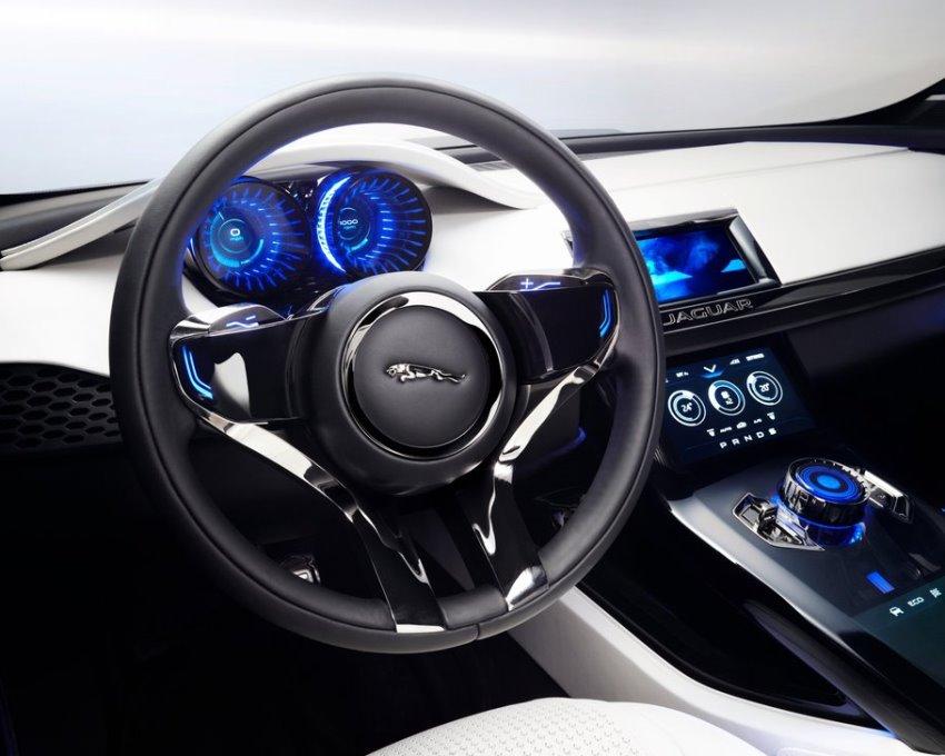 салон концепта Jaguar C-X17