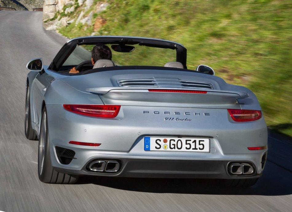 задняя часть Porsche 911 Кабриолет Turbo 2014