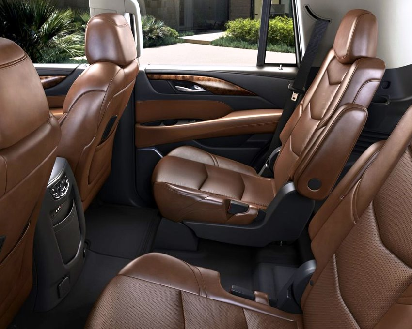 интерьер Cadillac Escalade 2014