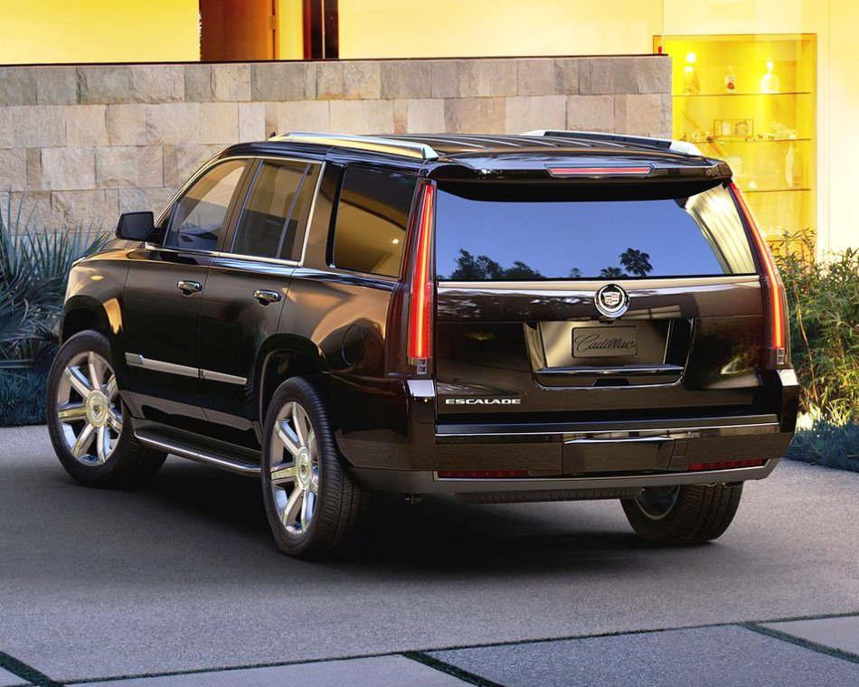 задняя часть Cadillac Escalade 4 поколения