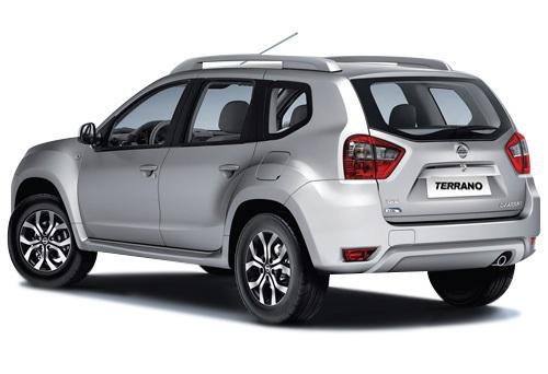 задняя часть Nissan Terrano 2014 в России