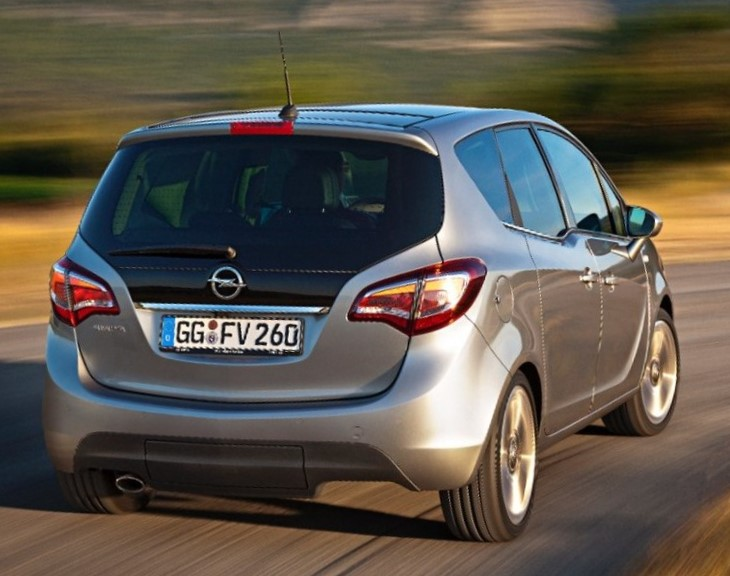 задняя часть Opel Meriva 2014 года