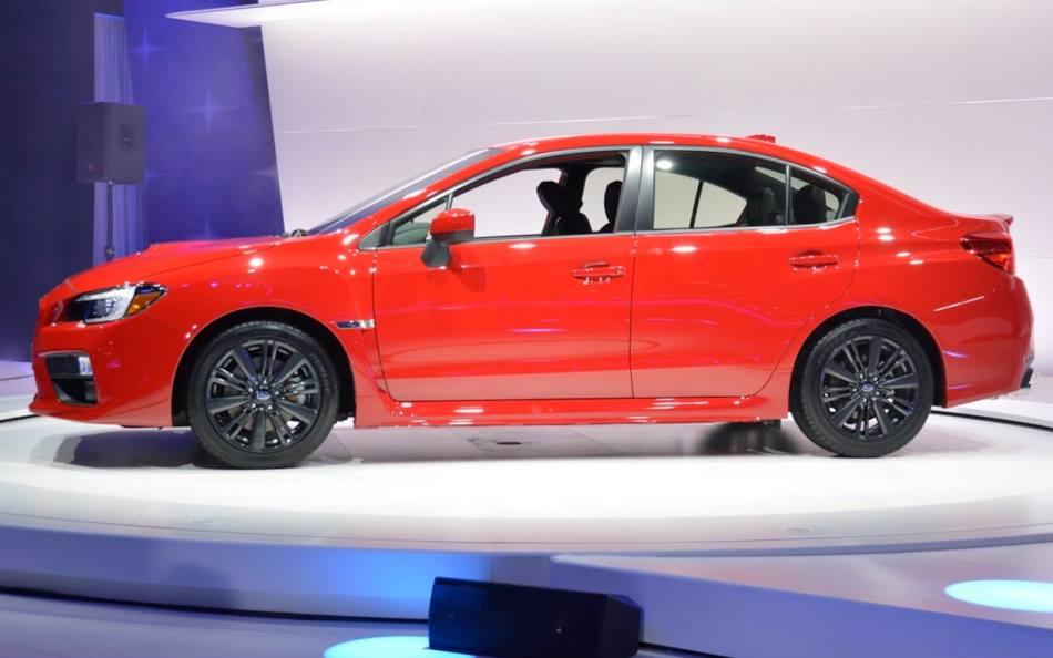 фото Subaru WRX 2014 сбоку