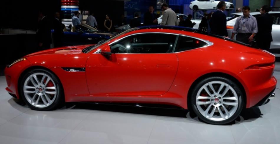 фото купе Jaguar F-Type R Coupe 2014 сбоку