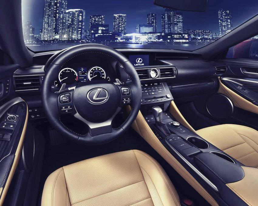 салон Lexus RC 2014
