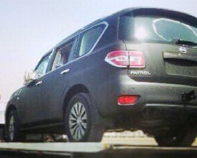 задняя часть Nissan Patrol 2014