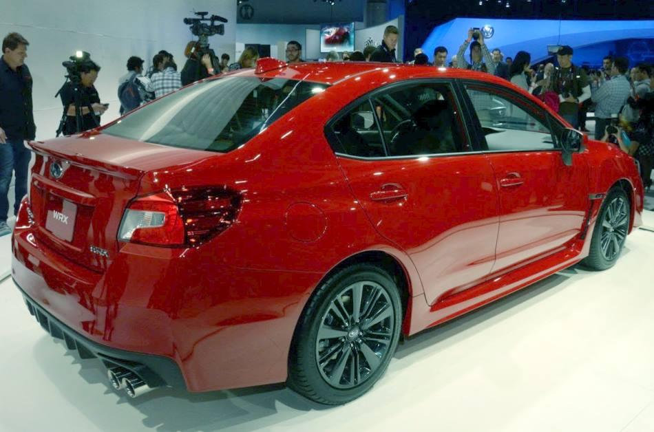 задняя часть Subaru WRX 2014