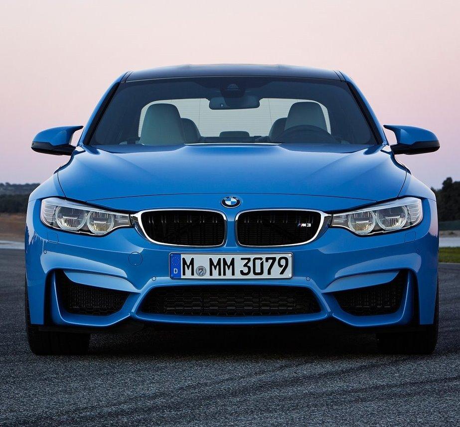 фото седана BMW M3 2015 года