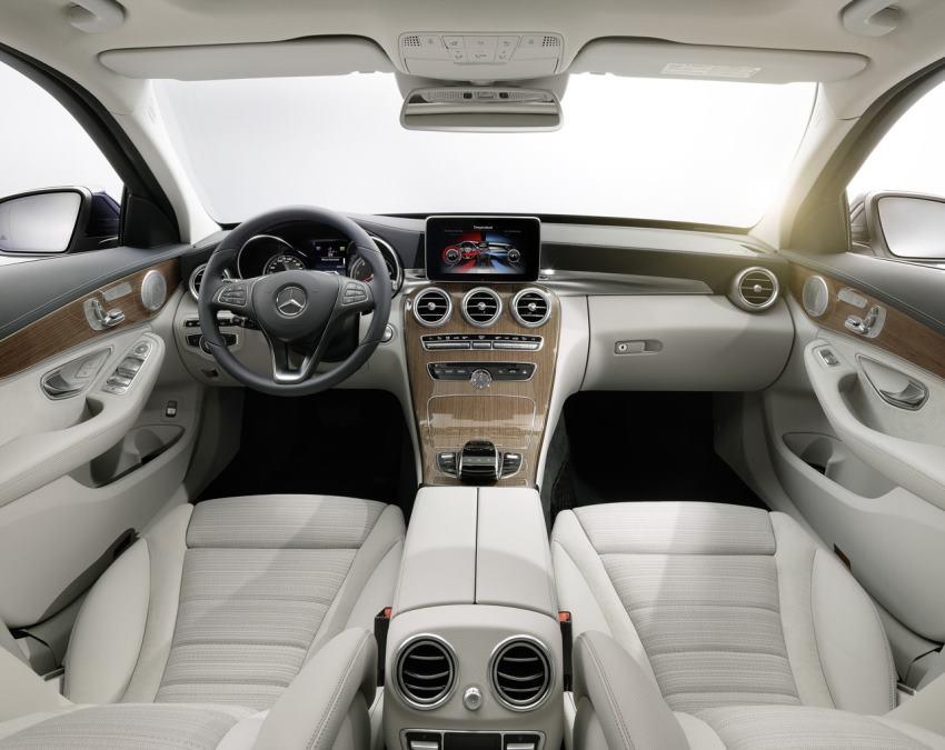 салон Mercedes C-Class 2015 года
