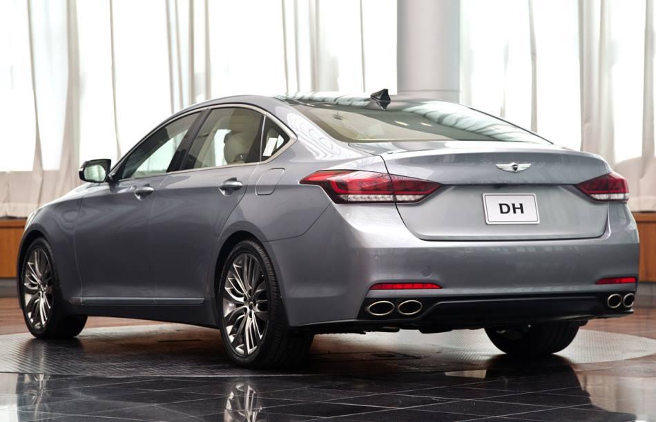задняя часть кузова Hyundai Genesis 2015