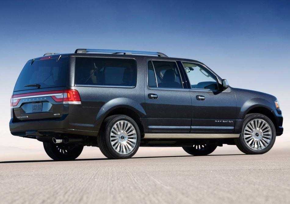 Lincoln Navigator 2015 сбоку
