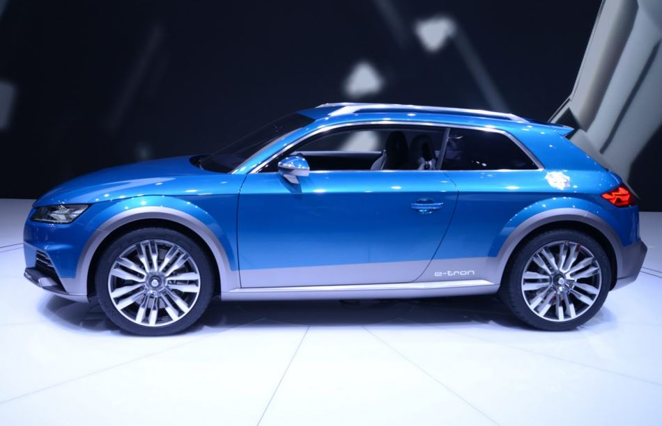 концепт Audi Allroad Shooting Brake 2014 сбоку