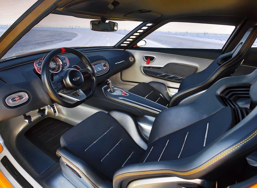 салон KIA GT4 Stinger 2014