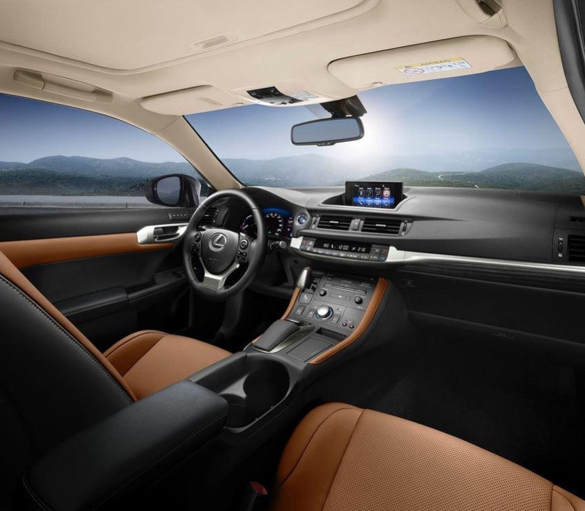 салон Lexus CT 200h
