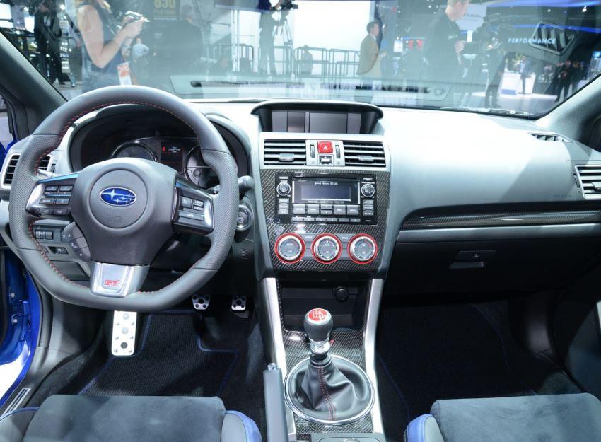 салон Subaru WRX STI 2015