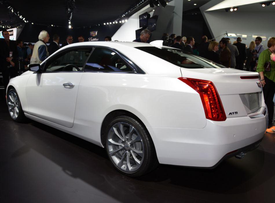 задняя часть Cadillac ATS Coupe 2015