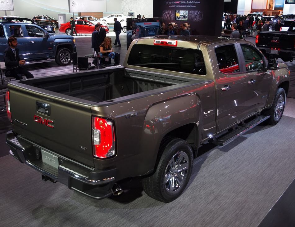 задняя часть GMC Canyon 2015
