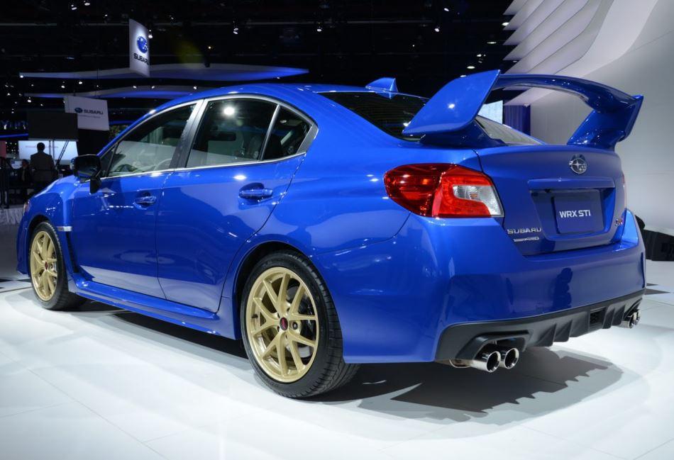 задняя часть Subaru WRX STI 2016