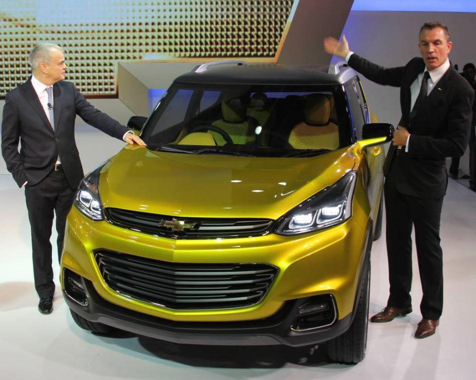 фото Chevrolet Adra 2015 года