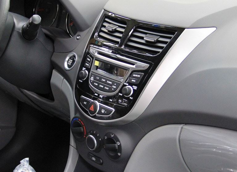 магнитола Hyundai Solaris 2015