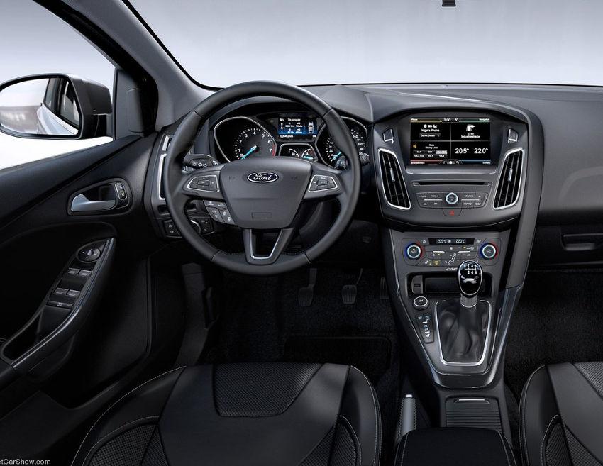 салон Ford Focus 2015