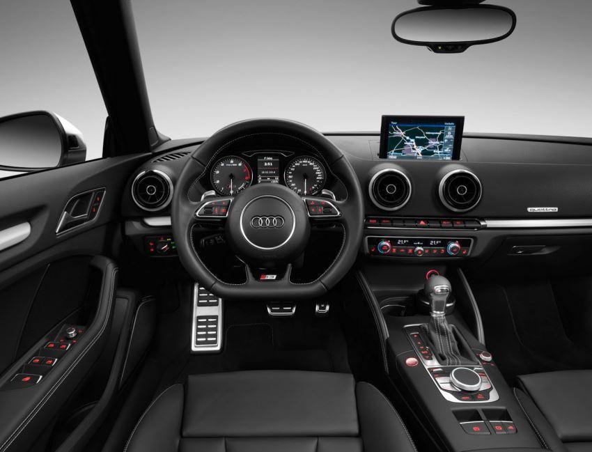 салон кабриолета Audi S3 2015