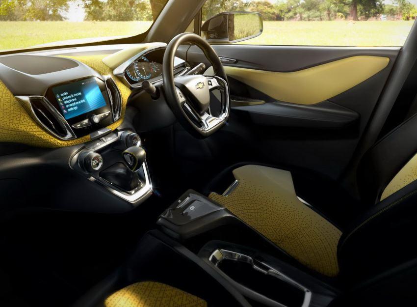 салон концепта Chevrolet Adra 2015