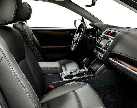 интерьер Subaru Легаси 2015