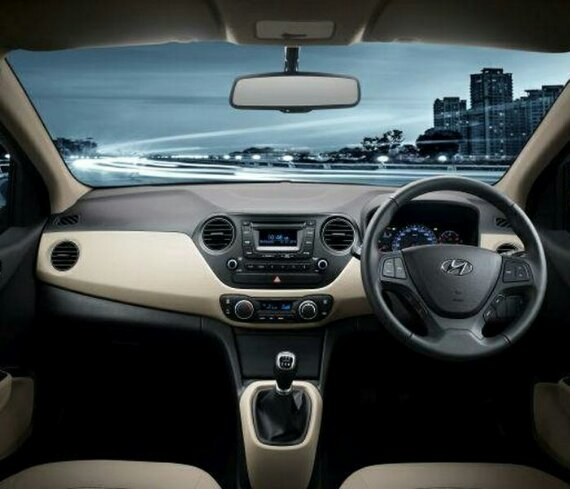 салон Hyundai Xcent