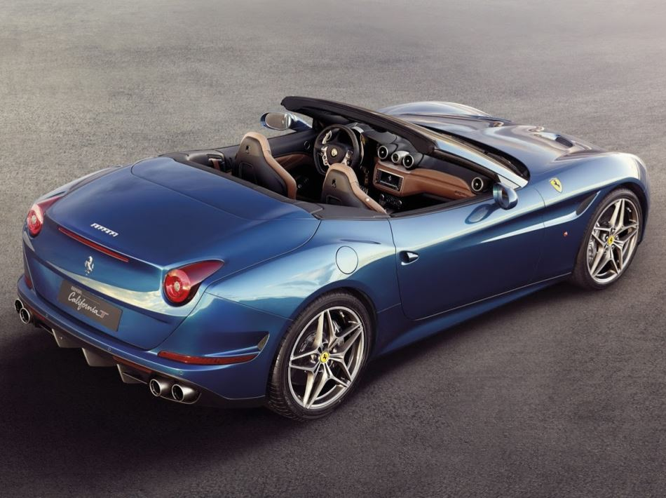 задняя часть Ferrari California T 2015