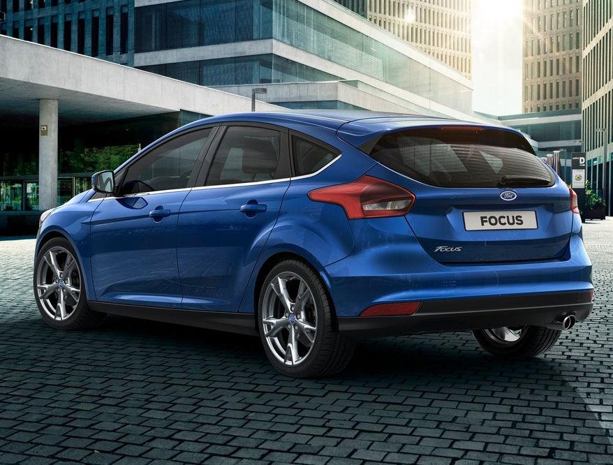 задняя часть Ford Focus 2015