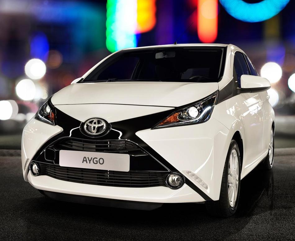фото Toyota Aygo 2015 года