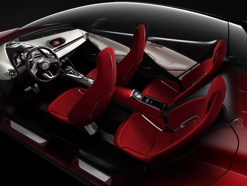 интерьер концепта Mazda Hazumi 2014