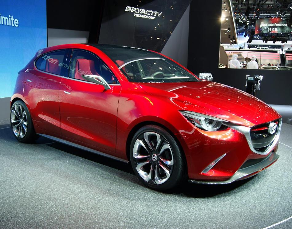 капот и фары Mazda Hazumi 2014