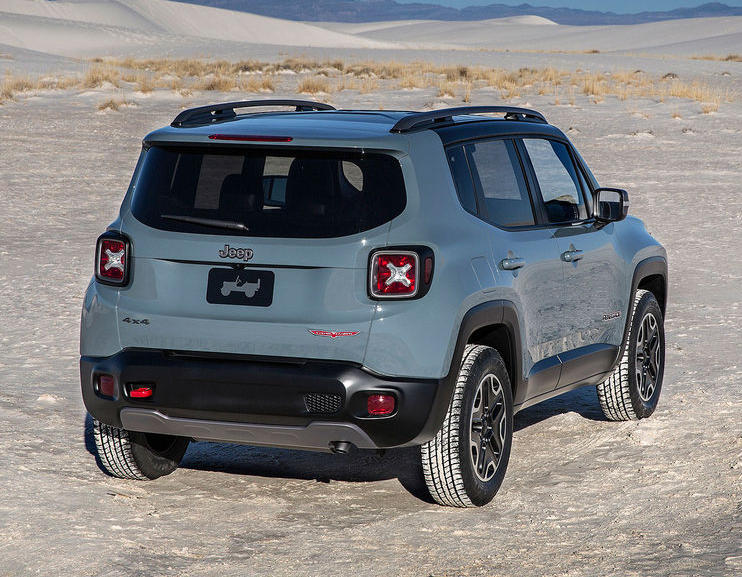задние фары Jeep Renegade Trailhawk 2015