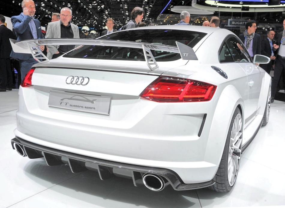 задняя часть Audi TT quattro Sport 2014