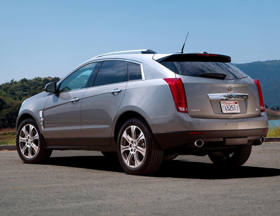 задняя часть Cadillac SRX 2014