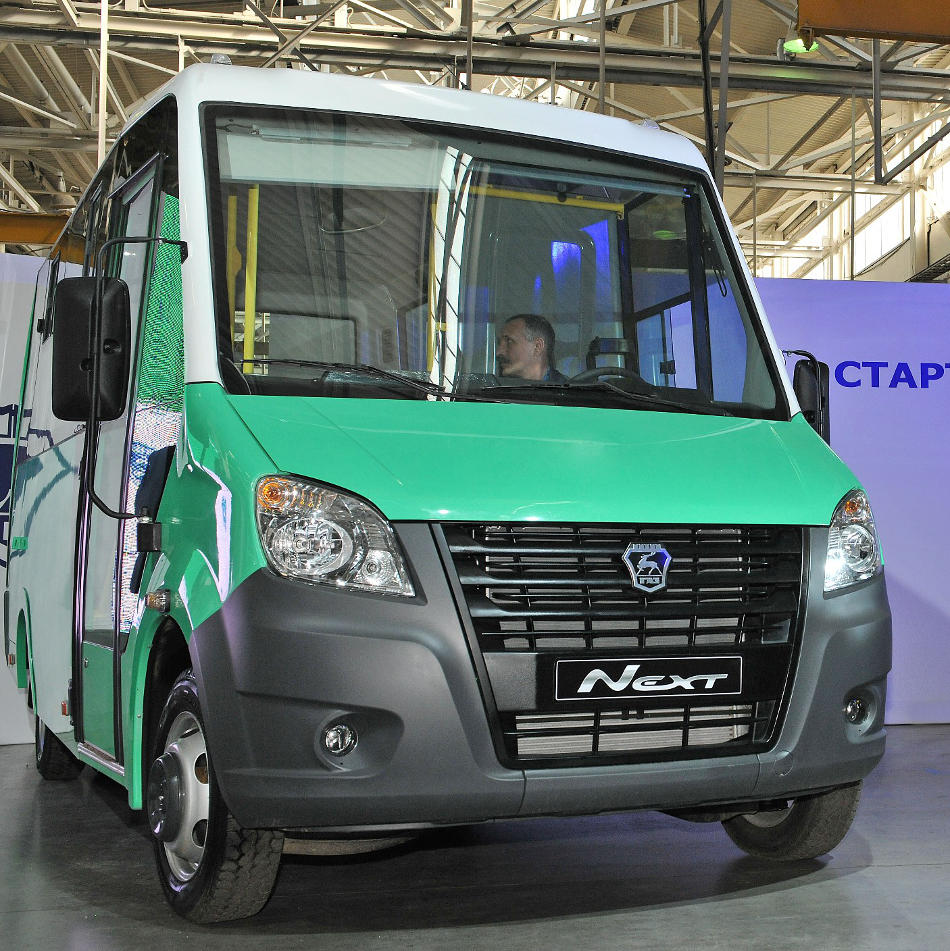 фары и бампер автобуса Газель Next 2018