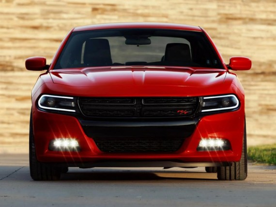 фото седана Dodge Charger 2015