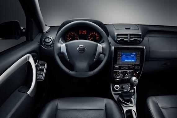 салон Nissan Terrano в России