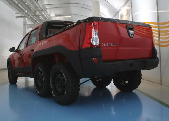 фото шестиколёсного Dacia Dustruck 2014