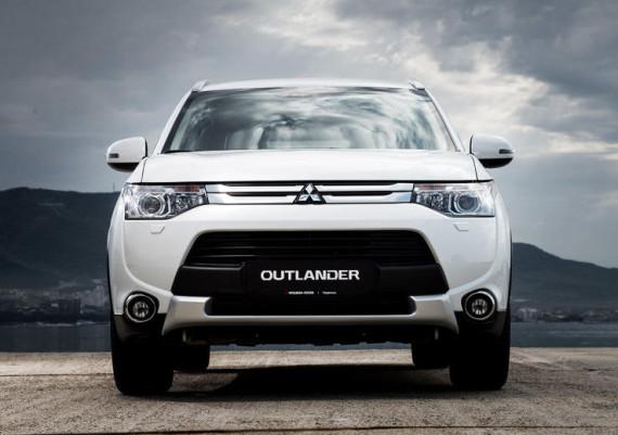 решетка радиатора и капот Mitsubishi Outlander 2014