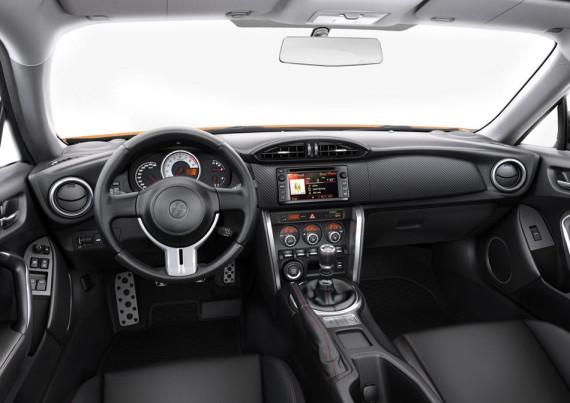 салон Toyota GT86 2014