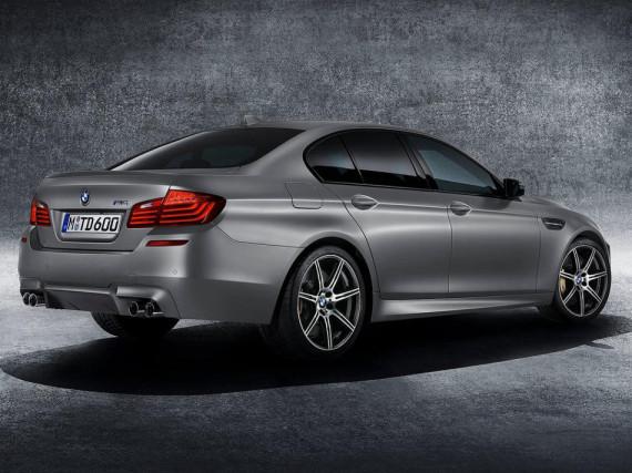 задняя часть BMW M5 30 Jahre M5