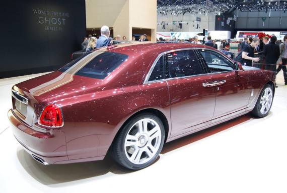 задняя часть Rolls-Royce Ghost Series II 2015