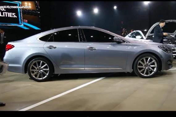 новый Hyundai AG сбоку