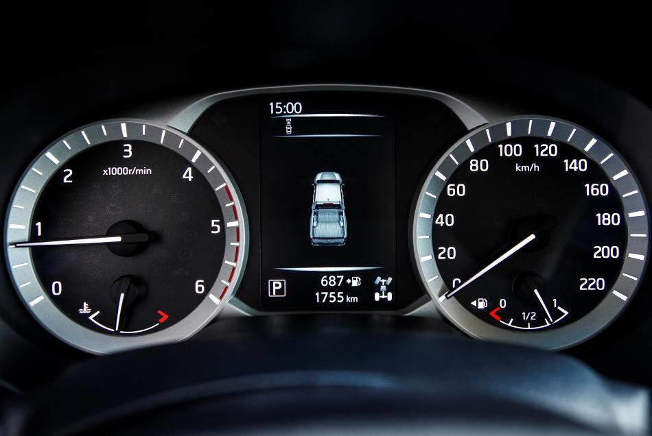 панель приборов Nissan NP300 Navara 2015